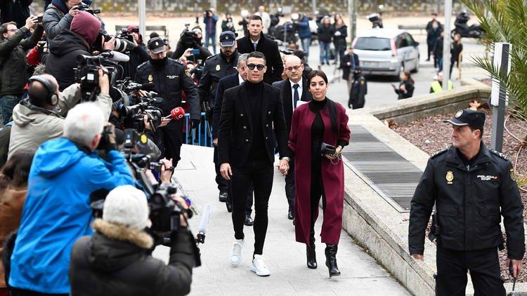 Photo of Ronaldo'nun vergi kaçırma davası belli oldu!
