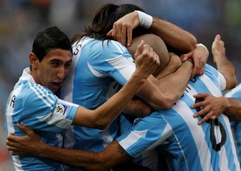 Photo of Arjantin Nijerya'yı Heinze'ın golüyle devirdi