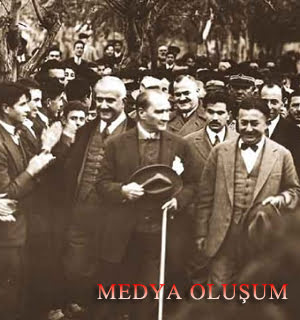 Photo of Mustafa Kemal Atatürk Devrimleri: Cumhuriyet'in İlanı