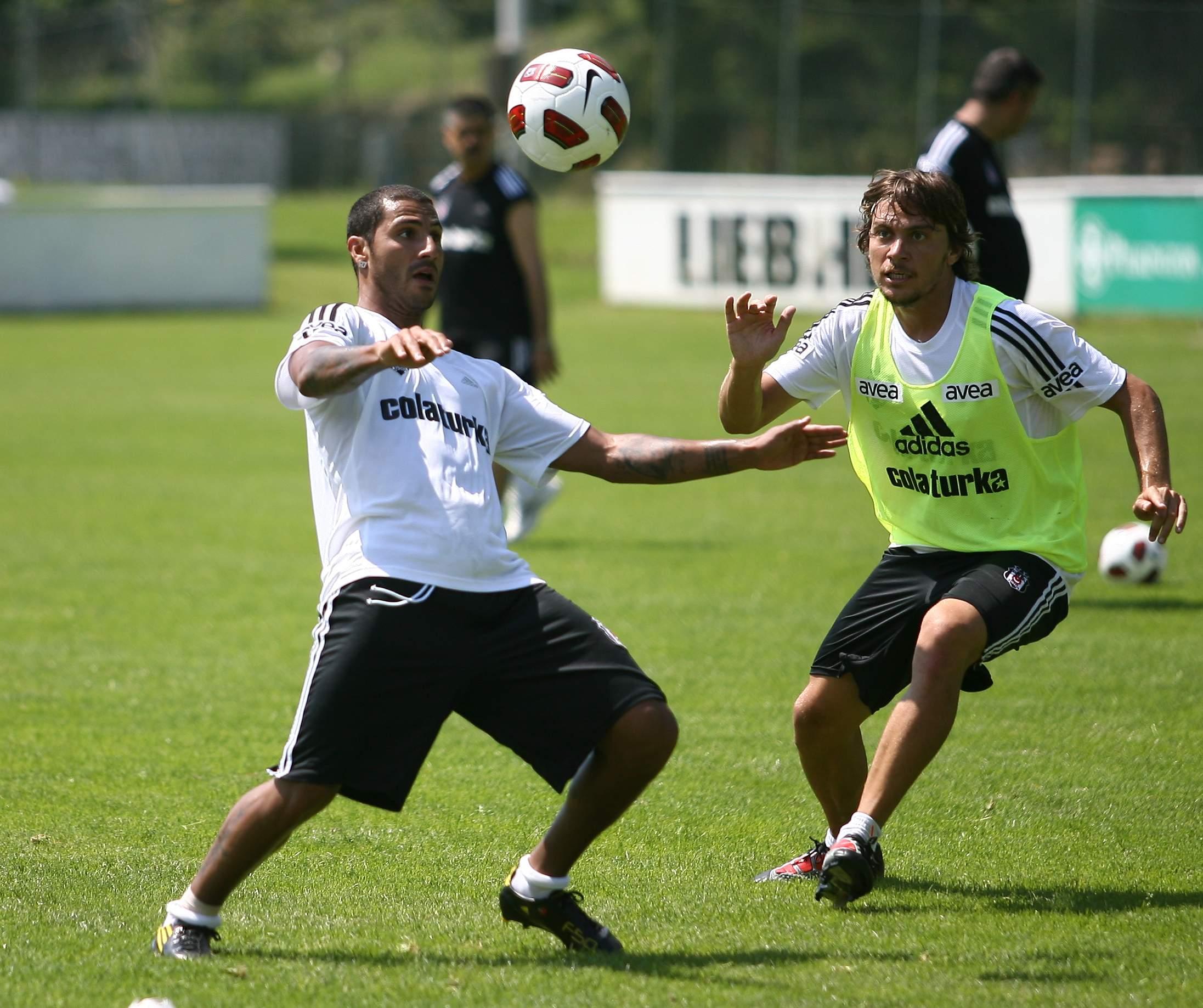 Photo of Beşiktaş'ın Avusturya kampında kavga!…