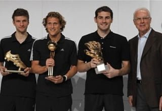 Photo of 2010 Dünya Kupası'nın yıldızları ödüllerini aldı